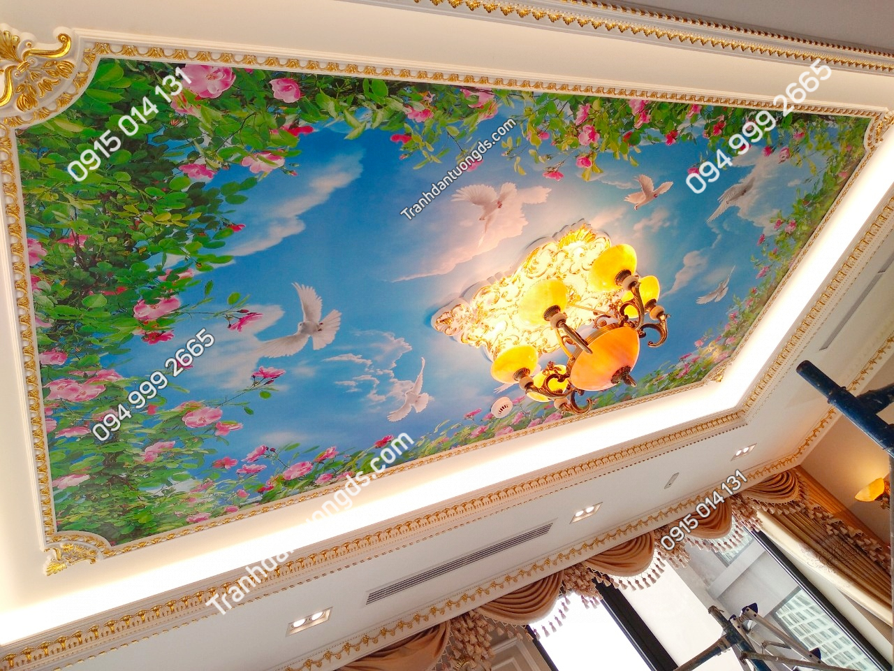 Tranh dán trần bầu trời cho phòng khách biệt thự