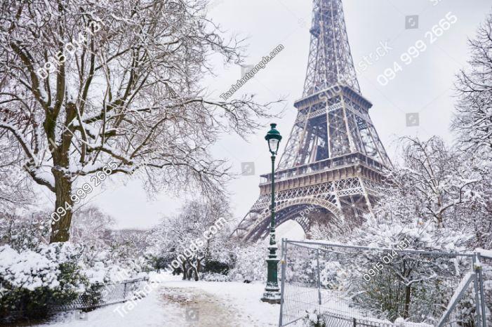 Tranh dán tường tháp Eiffel phủ tuyết trắng ST_1019625064