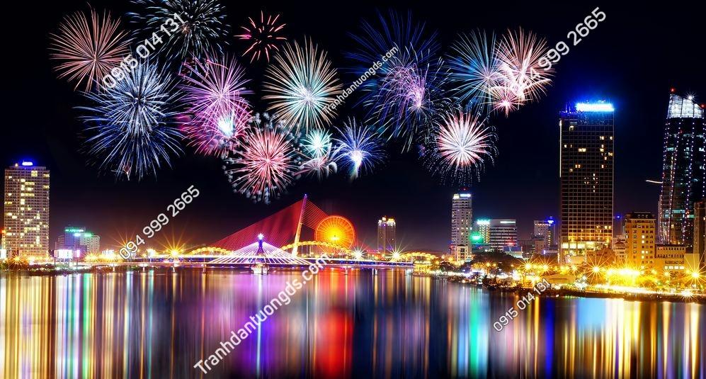 Tranh dán tường thành phố Đà nẵng bắn pháo hoa 783700480