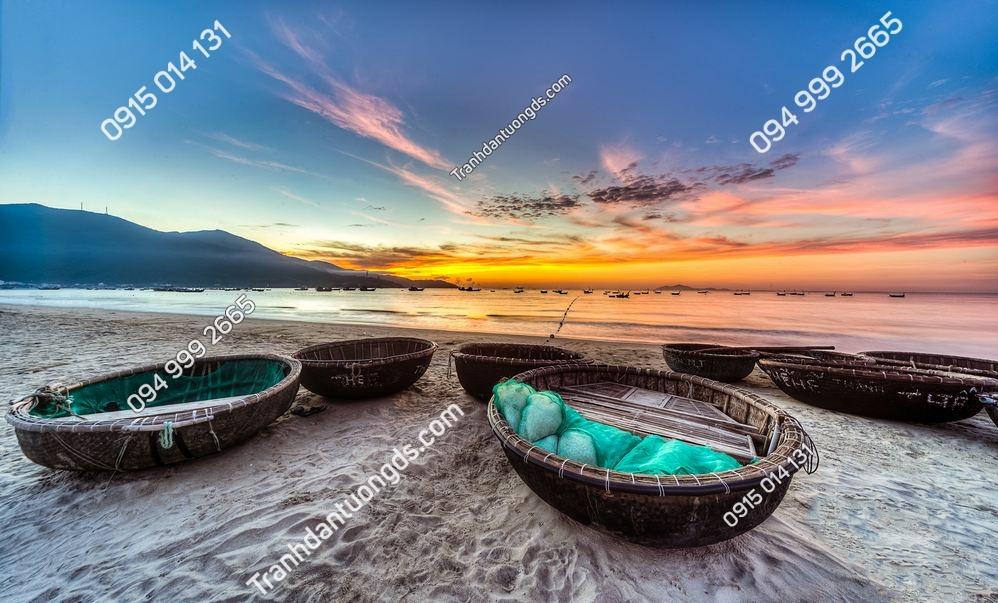 Tranh tường thuyền thúng bãi biển Đà nẵng 388679755